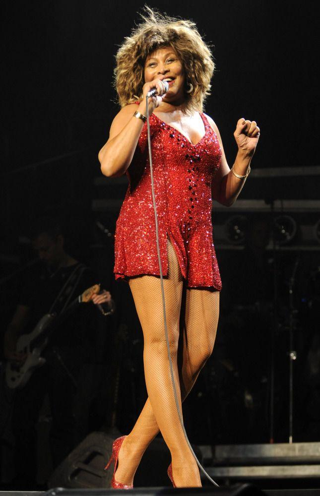 Hot Tina Turner Pics | Near-Nude Tina Turner Photos