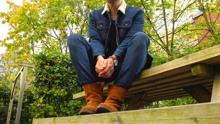 Back to basics, back to denim.   Jacket: Levis Jeans: Levis 520   Boots: Acne Studios Watch: Georg Jensen  Wallet: Oscar Jacobson