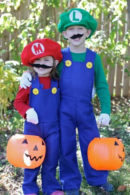 DIY Mario and Luigi Costumes I used this same idea to make one for a plus sized adult, super easy to follow and size up as needed <3 CG