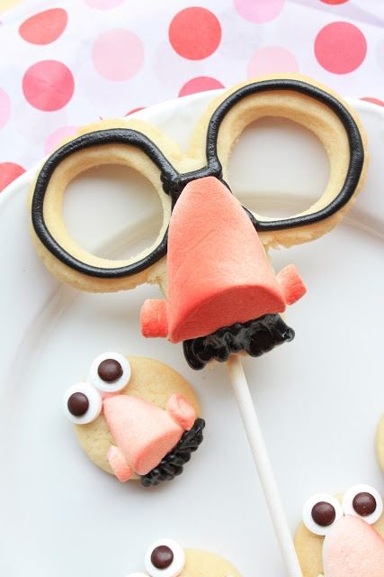 How clever is the disguise mask cookie? These would be awesome for a Spy Party.
