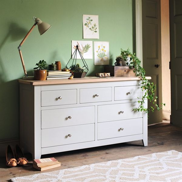Chester 3+4 Chest of Drawers from The Cotswold Company. Free Delivery & Free Returns. Country Furniture, Bedroom Furniture, Grey Bedroom Furniture, Grey Painted Drawers.