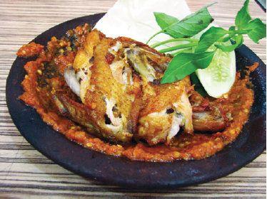 Resep Masakan Ayam Penyet Goreng Spesial http://tipsresepmasakanku.blogspot.com/2016/09/resep-masakan-ayam-penyet-goreng-spesial.html