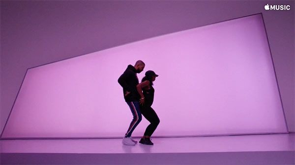 Drake Shows Off Sexy Dance Moves In New 'Hotline Bling' Video — Watch