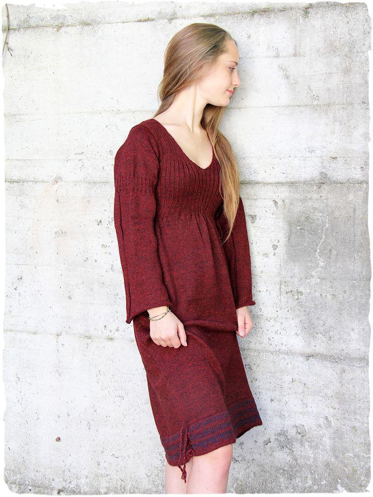 Abito lana Celtico Vestito in lana a manica lunga con piccoli disegni etnici #abito #invernale #lana #alpaca #rosso #red #rojo #winter www.lamamita.it/store/abbigliamento-invernale/1/abiti-in-maglia/abito-lana-celtico