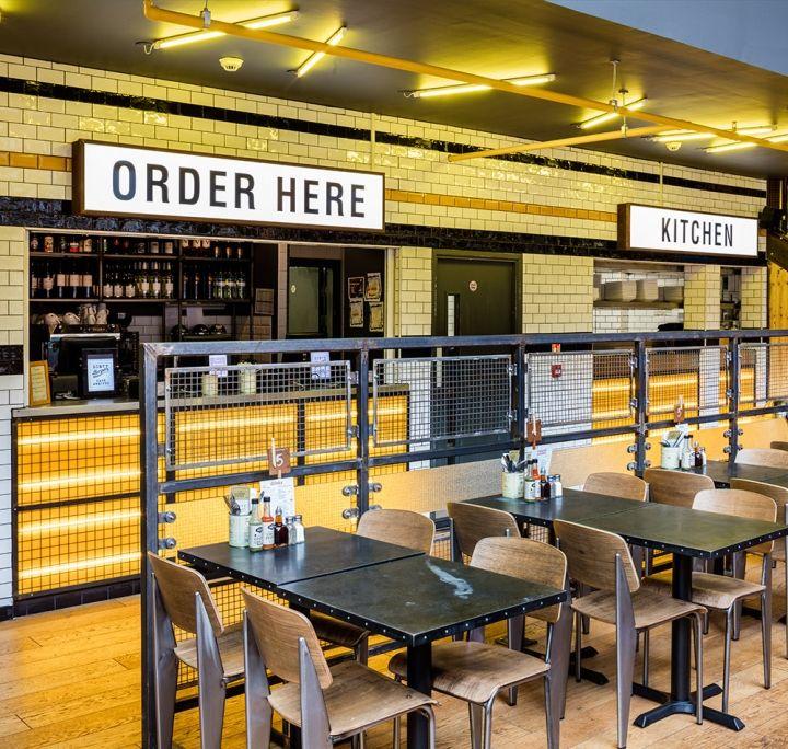 Современный интерьер ресторана Handmade Burger Co