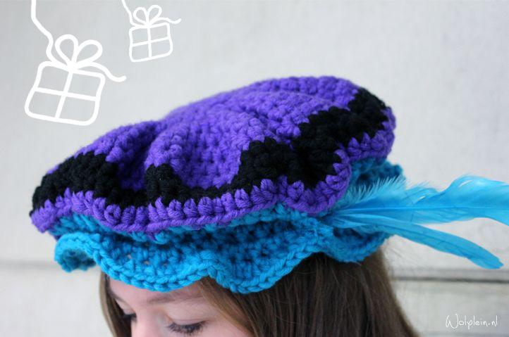 Pietenmuts haken, gratis patroon, Sinterklaas, feestdagen, #crochet, free pattern (Dutch), cap with feather