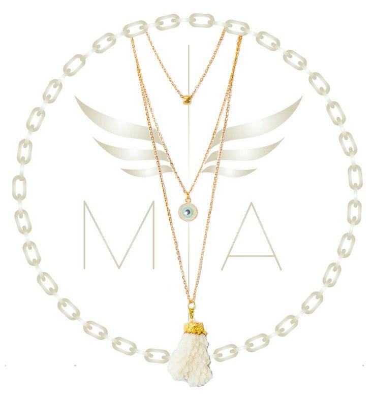 Collar dorado triple by Mery Angel accesorios #collar #gold #ojo #chain #necklace #fashion #moda #bogota #colombia #diseñocolombiano #trendy
