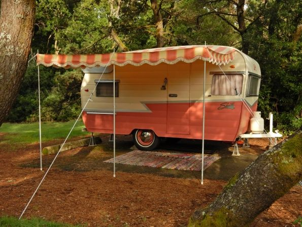 Beautiful pink 1959 Shasta Airflyte & matching 1955 Hudson Hornet For Sale | vintage camper - tiny trailer - classic caravan | great photos on site <O>