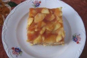 Prajitura cu mere, biscuiti si caramel - Culinar.ro