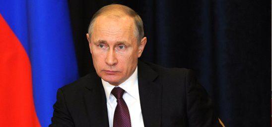 Самым крупным провалом Б. Х. Обамы журнал «Тайм» назвал политику в отношении России. Президент США своими санкциями добился противоположного задуманному: россияне ещё больше полюбили Путина, а в Западе увидели коварного врага. Полюбили Путина, судя по всему, и иностранцы: что ни день, то новое сообщение о поимке кремлёвского шпиона с пачкой денег — то португальца, то поляка. Все секреты НАТО уже проданы. Господину Столтенбергу ничего не осталось, как объявить о росте расходов на оборону.