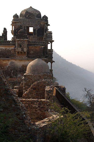 インド チットガー砦から街や平原が一望できる。