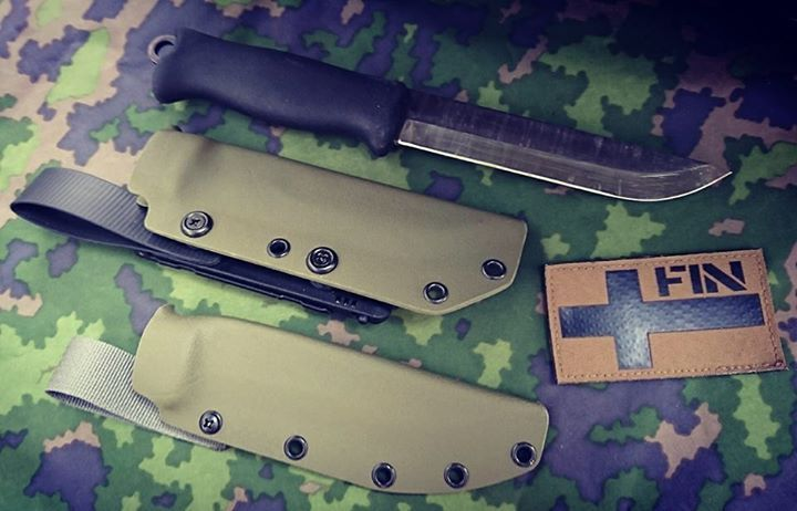 """Tactical & Outdoor Sheaths for Varusteleka Jääkäripuukko 140, Ranger Green Kydex available again 🌲   Tactical model with my vision of double carry system: Bladetech Molle-Lok Gen III with Coated Webbing Belt Loop. Outdoor model with 1"""" Webbing Belt Loop.   #terävä #jääkäripuukko #laurinmetalli #lekalooks #irpatch #finnishdefenceforces #m05camo #tacticalknife #outdoorknife #tactical #survival #military#offthegrid #touchoftactical @touch.of.tactical"""