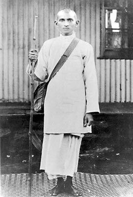 a biography of mahatma gandhi an indian civil rights activist Mohandas gandhi biography and gandhi urged non-violence and civil disobedience as a means to independence activists born in india (3.