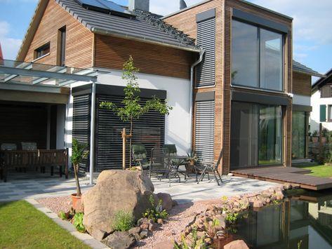 Haus Sandweg • Fertighaus von Holzhaus Rosskopf • Modernes Energiesparhaus m...