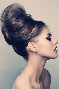 Everyday Glamour need this hair, huge bun