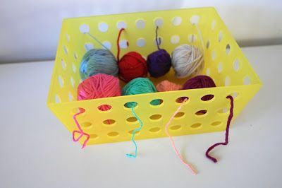 Easy crochet basket for organising yarn