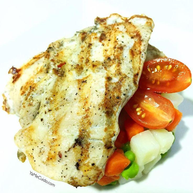 Buenas noches!! Ya estáis cenando?? Yo voy a ello y hoy toca para todos...  Solomillo de pollo especiado de @meatprotein  y ensaladilla aliñada con una pizca de AOVE Y después de cenar a soñar bonito #nanit  YaMeCuido.com #cena #cenafit #cenasana #cenasaludable #cenaricaysaludable #vidafit #vidasanayfit #vidasana #vidafitness #healthy #fit #fitness #fitlife #fitlife #estilodevida #instafit #instafood #instafitness #food #fooddiary #foodstagram #recetas #recetasfit #retovidasana…