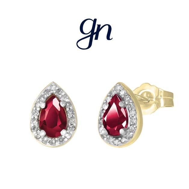 Aretes de rubí con diamante, discreto y elegante toque. Oro 14k.   Conoce más. facebook.com/joyeriagn/