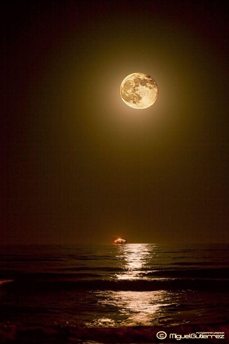 Luna playa de la Misericordia