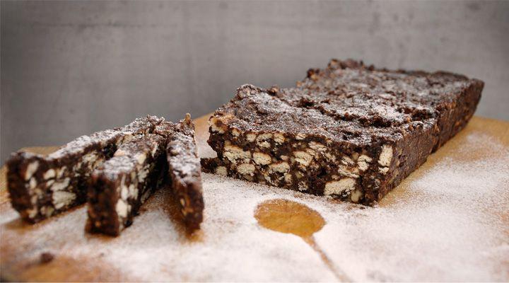 Biscuit Salami [no bake, sugar free, vegan] Gourmandelle.com | Salam de biscuiti sanatos