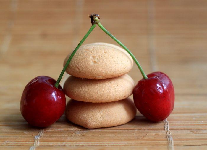 Jogurtovy pohar s ceresnami http://www.sikovnamamina.sk/recepty-zdrave-kolace/