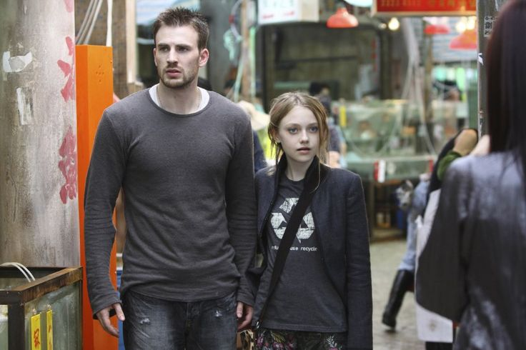 Still of Chris Evans and Dakota Fanning in Push (2009)