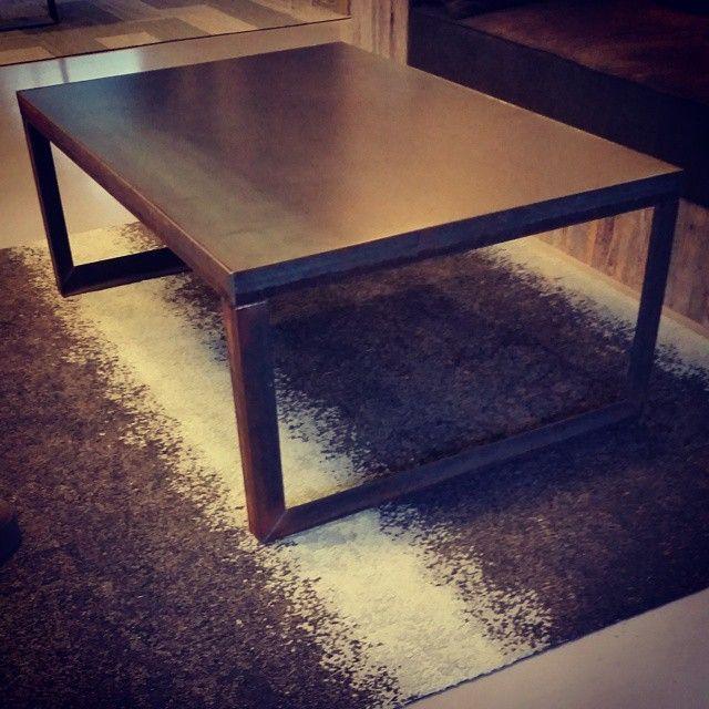 #manogri bord med stålplate.  Blir ikke mer #macho en dette. #allemål