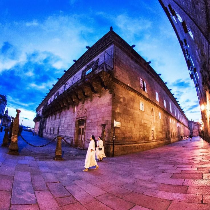 #catholic #nuns roam the streets of #saintiagodecompostela at midnight. #spain #europe #pilgrimage #canon #canon5dmarkiii #canonphotography #worldcaptures #travel #travelgram #travelblog #traveltheworld #travelbug #instadaily