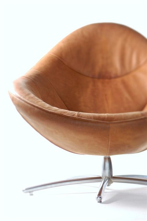 Label | design by Gerard van den Berg: easy chair Hidde in Yak leather