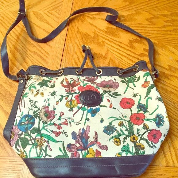 gucci used. Authentic Vintage Gucci Purse Floral Purse. The Outside Has A Few Small Used