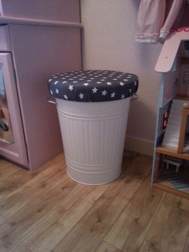 Ikea vuilnisbak veranderd in opbergkruk