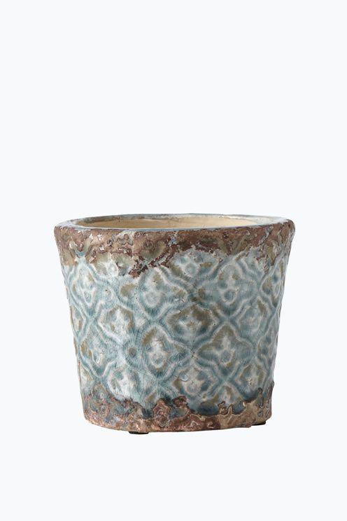Kruka av glaserad keramik med krackelerad och patinerad yta. Ø ca 14 cm. Höjd 12 cm.<br><br>Då keramiken är handgjord kan små variationer i färg och storlek förekomma. <br><br>