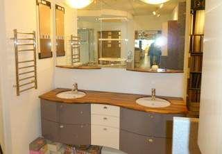 Ex Display Pyram Bathroom, Solid Wood Worktops and Mirror £1875