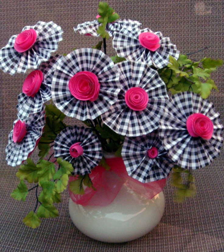 Rosette Flower Arrangement in Black Gingham with hot pink centers