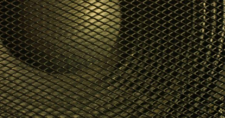 Como melhorar o grave em subwoofers. Subwoofers agregam impressionantes efeitos sonoros de baixa frequência a filmes e programas de televisão para aumentar a sensação de realismo e, uma vez que contêm os seus próprios amplificadores embutidos, eles não colocam exigências sobre o receptor do home theater, que fica livre para conduzir aos outros alto-falantes em um sistema de som ...