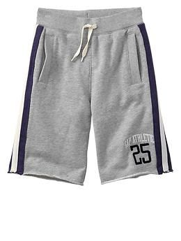 Side-stripe fleece active shorts
