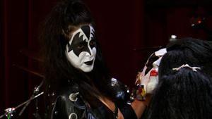 "Season 5 Episode 12 - Darrell and Brandon get their ""Kiss"" Masks Appraised"