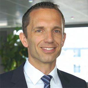 ++ DEKRA Arbeitsmarkt-Report 2017++  Ein bewährtes und zukunftsfähiges Modell. Ein Bericht von Timo Schütte.  In diesem Jahr feiert die DEKRA Akademie ihre zwanzigjährige Partnerschaft mit SAP und ist damit ein Bildungspartner der ersten Stunde. Ein passender Anlass um einen Blick auf das Erfolgsmodell der öffentlich geförderten Aus- und Weiterbildung für SAP-Software zu werfen...