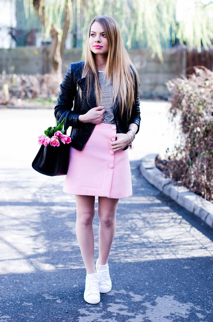 pink-a-line-skirt-adidas-stan-smith-leather-jacket-spring-outfit-pink-tulips (2)