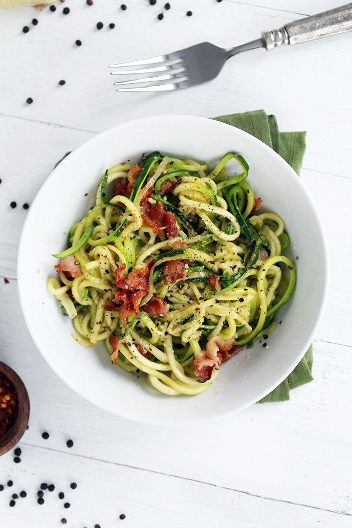 Romantic Cacio e Pepe - spiralized zucchini with beacon