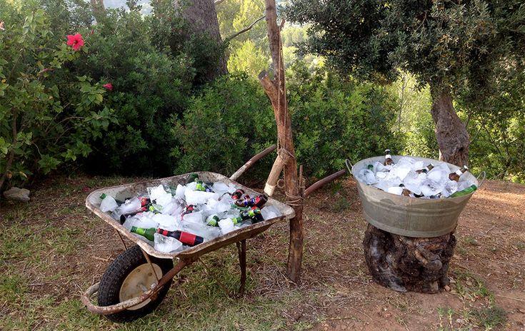 Wheelbarrow with cool drinks- wedding drinks - refreshing point