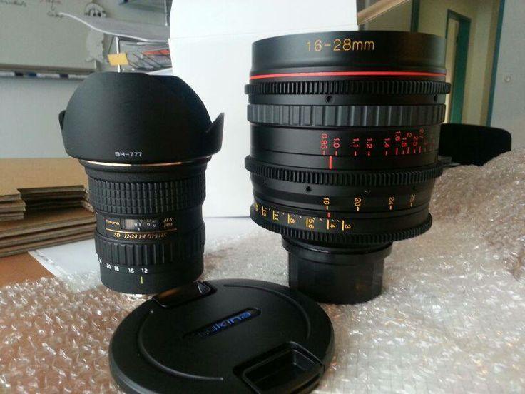"""Da ist """"der Gerät""""!  Hier ein Snapshot direkt nach dem Unboxing.  Zum Verlgeich haben wir den Prototypen """"Tokina 16-28 T3.0 Cinema-Lens"""" mal direkt neben das Tokina 12-24 gestellt. :-)"""