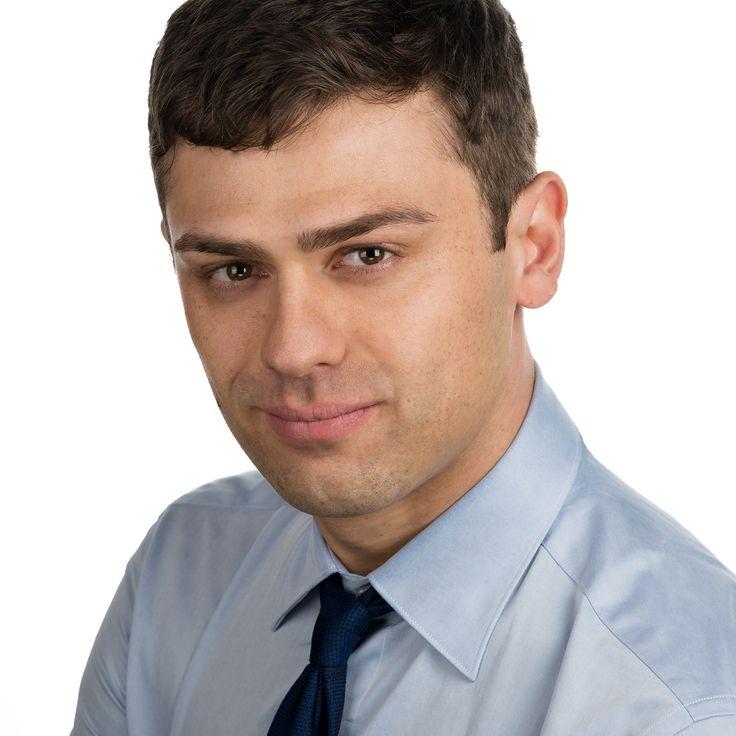 Louis Havriliuc - Entrepreneur - headshot, business portrait