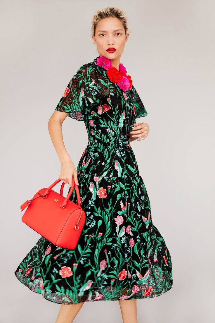 See the complete Kate Spade New York Pre-Fall 2017 collection.