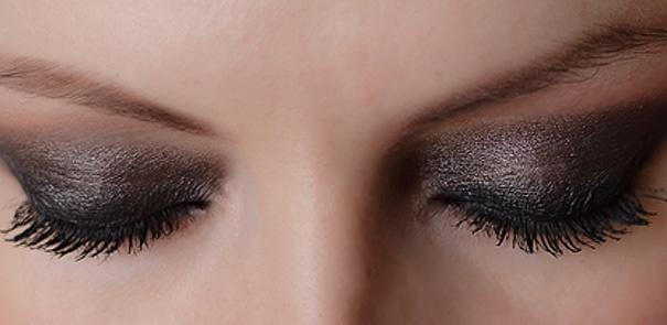 Beauty Lesson: Smoldering, Smoky Eyes