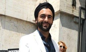 Marco Mengoni – Nuovo look per Marco Mengoni. Il cantante si è presentato alla sfilata di Salvatore Ferragamo, che si...