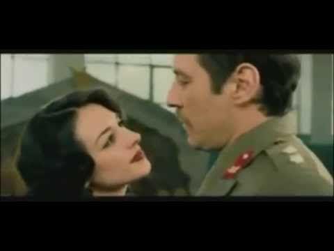 Μια στιγμή για πάντα - Το τανγκό των Χριστουγέννων - Γιώργος Νταλάρας - YouTube
