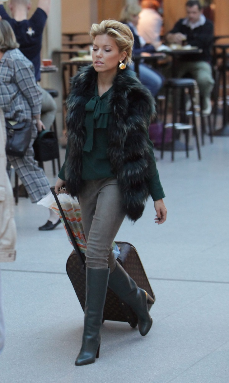 fashion style by Sylvie van der Vaart - Loving this Chic Look ! SarahJM