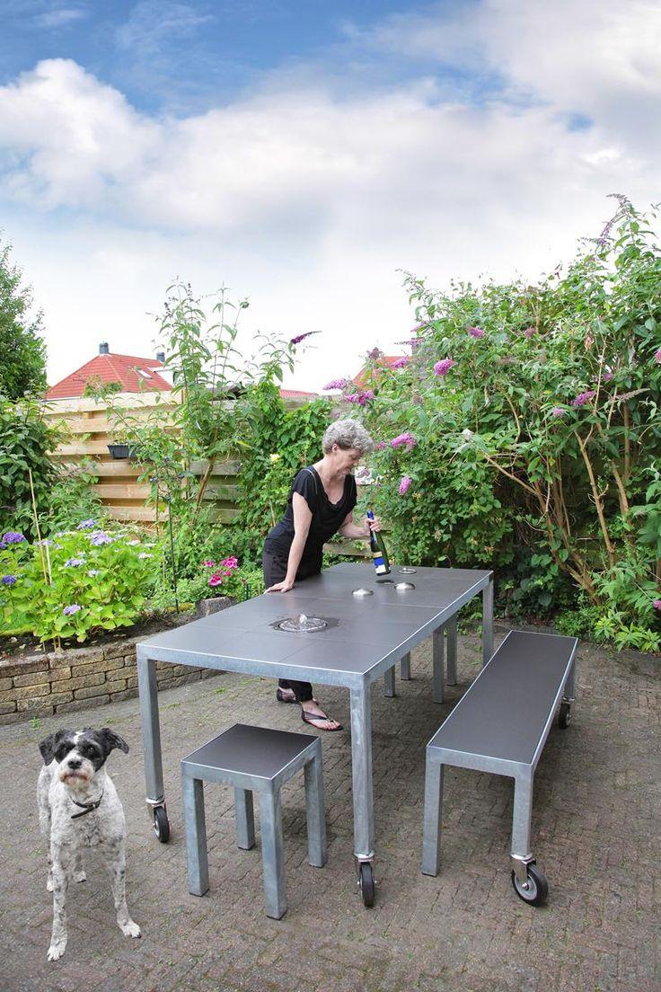 LIFE IS A PLEASURE no. 6 in a cosy suburban garden.