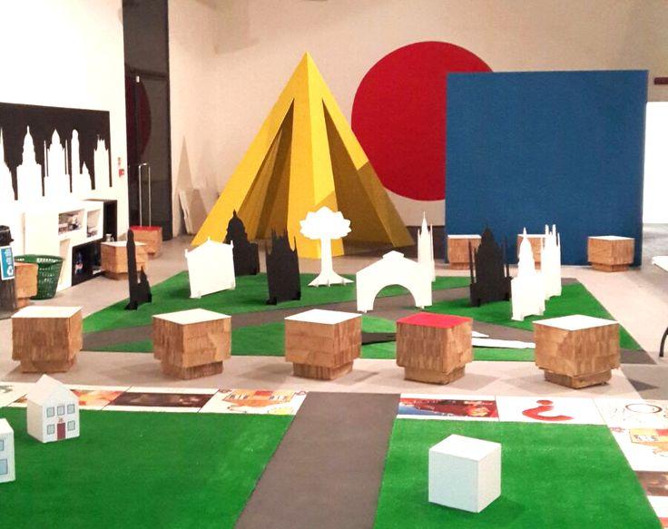 Allestimento del 7. Carnevale Internazionale dei ragazzi della Biennale di Venezia
